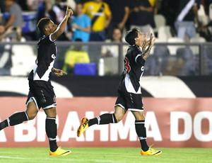 Andre e Fagner Vasco e Vitória (Foto: Marcelo Theobald / Agência O Globo)