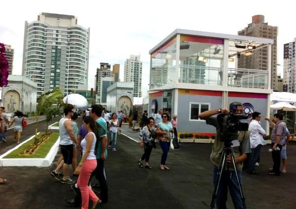 Repórteres estarão no estúdio de vidro da RBS TV (Foto: Adriano Lima/Grupo RBS)