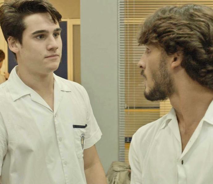 Rodrigo avisa que vai tirar essa história a limpo (Foto: TV Globo)