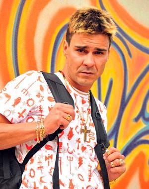 André Gonçalves muda o visual para Salve Jorge (Foto: Divulgação/TV Globo)