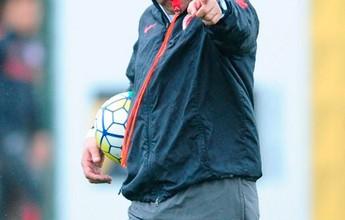 """Trocas em escalações do Inter pioram """"time medíocre"""", diz Lédio Carmona"""