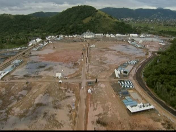 Lamaçal em Guaratiba - GNews (Foto: Reprodução GloboNews)