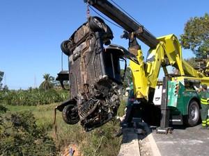 Acidente aconteceu na ponte do Rio Jucu, no Espírito Santo (Foto: Reprodução/ TV Gazeta)
