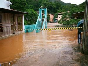 Alguns pontos da cidade foram interditados, após a forte chuva (Foto: Assessoria da Prefeitura de Ferros)