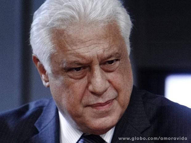 César é irônico diante da cara de pau de Glauce (Foto: Amor à Vida/TV Globo)