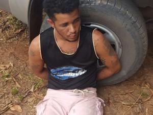 Fugitivo foi capturado em ação conjunta de policiais (Foto: Dicap/ Divulgação)