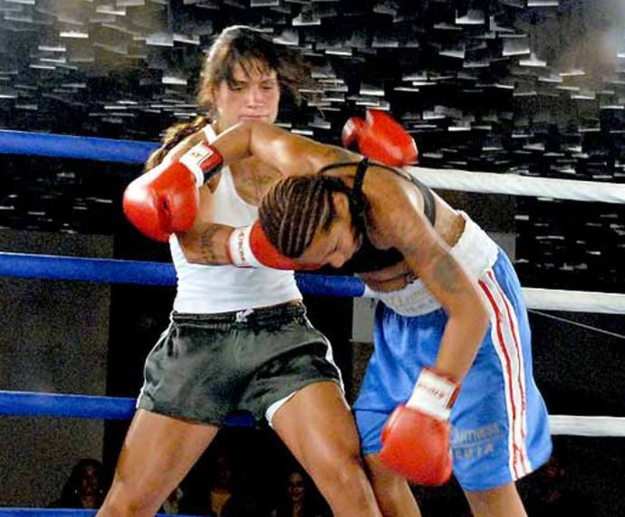 Tatiana em luta de boxe (Foto: Arquivo pessoal)