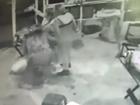 Policial que atirou em copeira é indiciada por homicídio qualificado