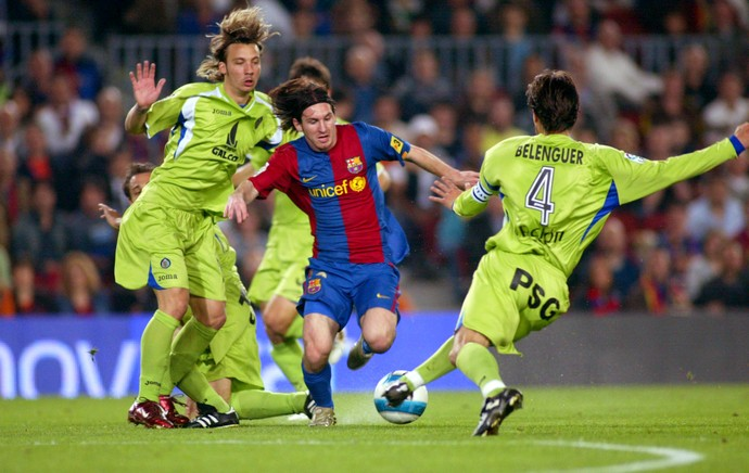 Lionel Messi golaço Getafe 2007 (Foto: Getty Images)