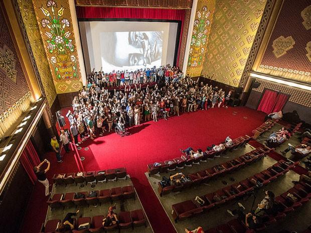 Ato no São Luiz, durante Janela Internacional de Cinema, pede instalação de sistema digital (Foto: Victor Jucá/ Divulgação)