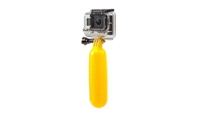 O Bastão Flutuante Bobber é indispensável para ajudar a localizar a GoPro (Foto: Divulgação/GoPro)