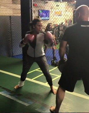 Demi Lovato usa o Instagram para postar seus vídeos treinando MMA (Foto: Reprodução/ Instagram)