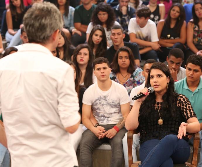 Ana Julia relata que sofreu bullying em seu colégio (Foto: Carol Caminha/Gshow)