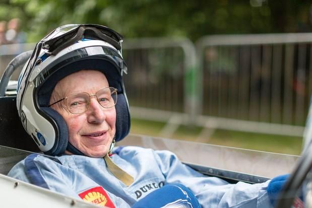 Surtees foi o único campeão de Motovelocidade e de Fórmula 1 (Foto: Divulgação)