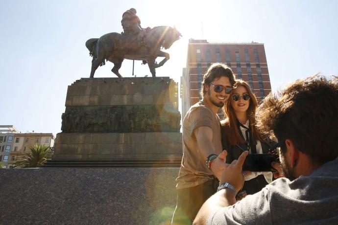 Daniel e Marina mostram que se divertiram durante a viagem (Foto: Chico Couto/Gshow)
