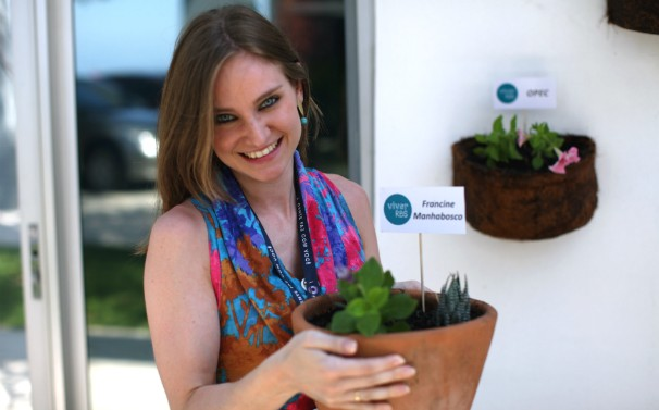Jardineiros ficarão responsáveis pelas plantas (Foto: Ariel Quint/RBS TV)