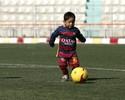 Menino afegão ganha uniforme de Messi, e federação promete encontro