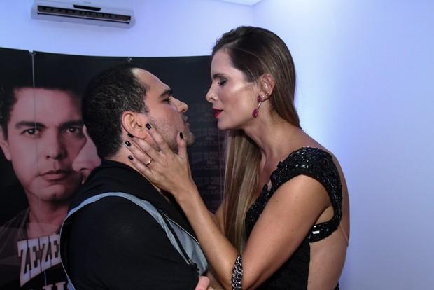Luciano Camargo e a mulher Flavia (Foto: Cláudio Augusto /Photo Rio News)