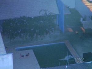 Bebê se afogou em piscina de centro de convivência de pessoas deficientes em Goiânia, Goiás (Foto: Reprodução/ TV Anhanguera)