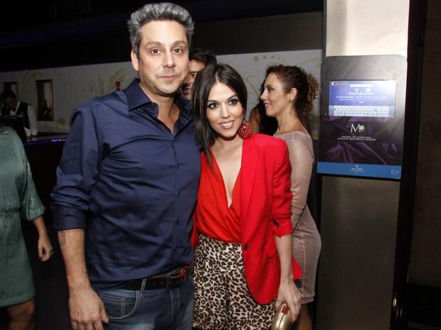 Alexandre Nero e a namorada, Karen Brustolin, em lançamento de revista no Rio (Foto: Felipe Assumpção/ Ag. News)