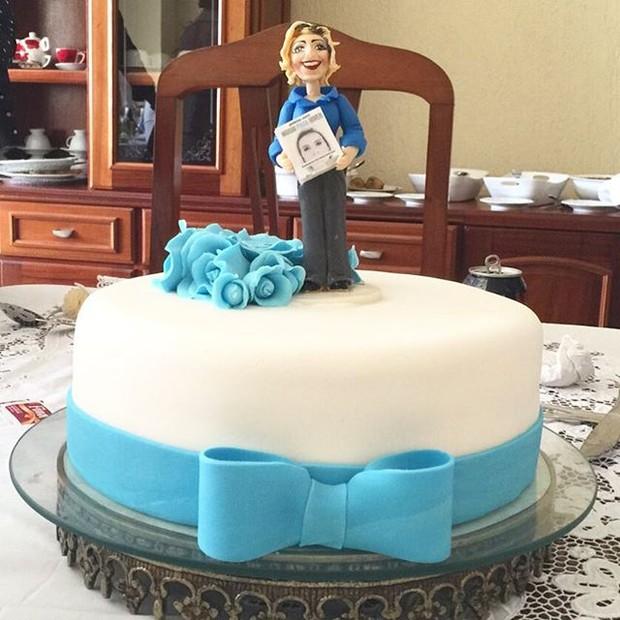Andressa Urach mostra bolo de aniversário (Foto: Reprodução/Instagram)