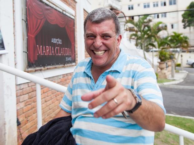 Jorge Fernando e a sua conhecida alegria, nos bastidores de Alto Astral (Foto: Fabiano Battaglin / Gshow)