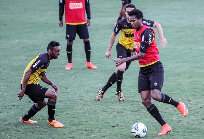 Jô treino atlético-mg (Foto: Bruno Cantini / CAM)