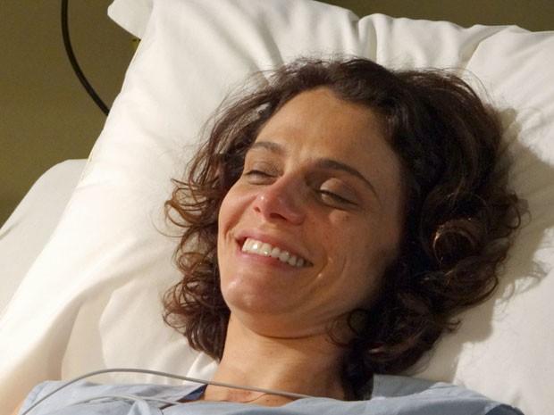 Lygia voltou à vida (Foto: Cheias de Charme / TV Globo)