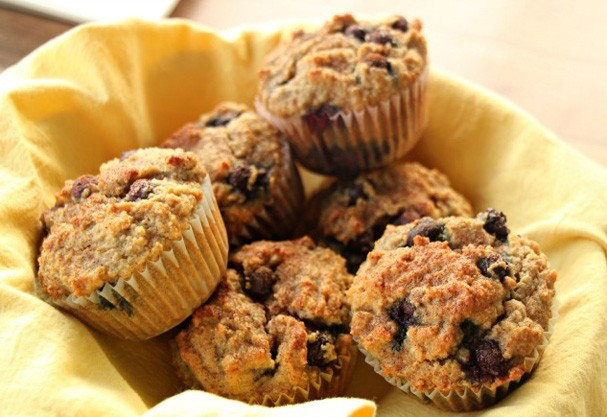 Aprenda a fazer cinco opções rápidas e práticas pra um café da manhã delicioso
