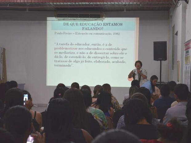 Evento foi realizado no salão da Arquidiocese de Porto Velho (Foto: Sara Cicera/G1)