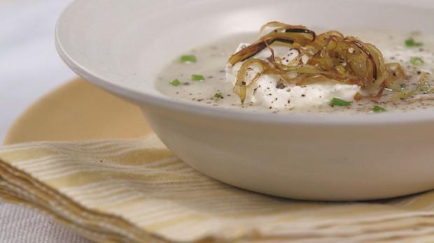 Cozinha Prtica Vero, EP 5, Rita Lobo, Aprenda a receita original de vichyssoise: uma clssica sopa fria francesa (Foto: Divulgao/GNT)