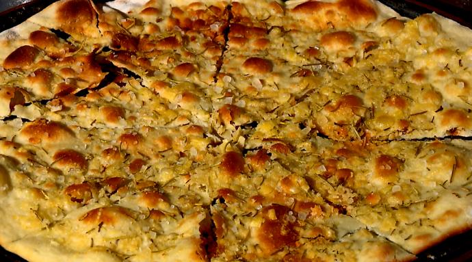 O resultado é uma massa crocante repleta de sabor, uma ótima dica de aperitivo (Foto: reprodução EPTV)