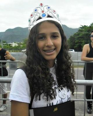 Adrielle Farias, de 16 anos, é a responsável pela paródia da música Acre (Foto: Arquivo Pessoal)