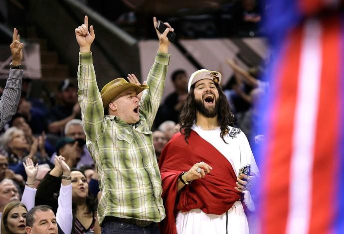 NBA Spurs x Pistons Jesus Fantasia (Foto: AP)