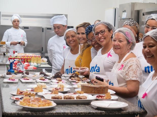 Mulheres e seus 'doces de família (Foto: Mariane Rossi/G1)