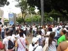 Agentes de saúde fazem protesto e trânsito fica lento em Salvador