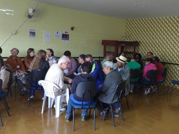 Ação foi promovida pelo programa social Movimento Jovem em Itapetininga (Foto: Paola Patriarca/G1)