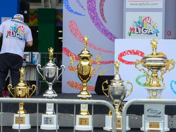 Os troféus já chegaram ao Anhembi. (Foto: Flávio Moraes/G1)