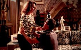 Adauto conta a Muricy que a traiu com Olenka e pede perdão de joelhos