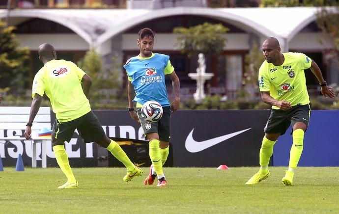 Seleção faz seu primeiro treino e Felipão escala time que deve ser titular na Copa do Mundo