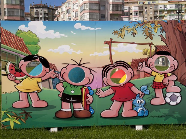 Painel para fotos retrata os personagens da Turma da Mônica no novo parque de Portugal (Foto: Divulgação/Câmara Munidicpal de Amadora)