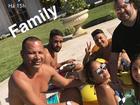 Neymar curte final de semana de férias em mansão de 2 mil m²
