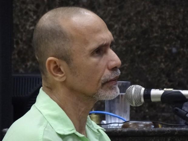 Segundo Jorge Beltrão, vítima ficou até duas horas no banheiro, debaixo do chuveiro, para perder todo o sangue (Foto: Luna Markman/G1)