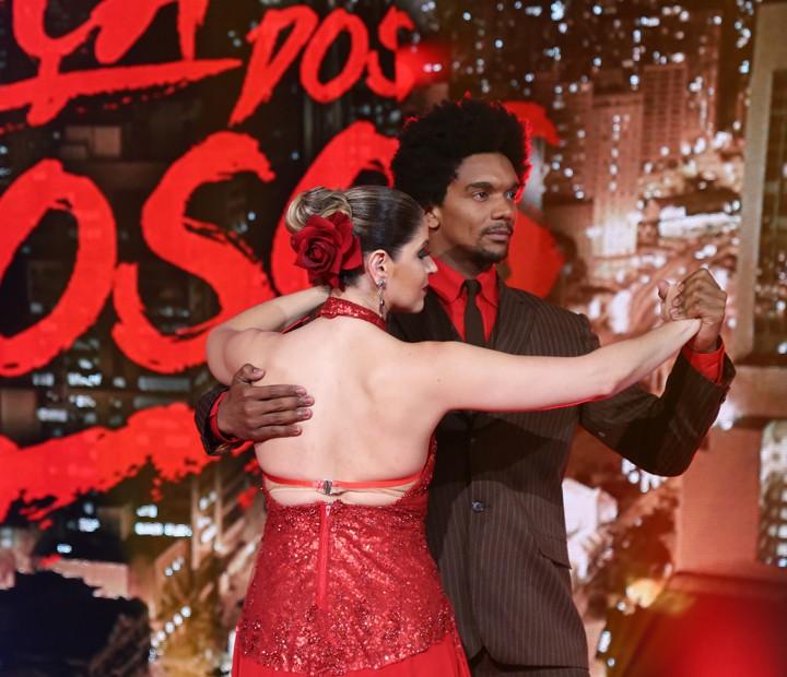 Mariana Santos e Marcus Lobo voltam ao palco a final do Dança dos Famosos 2015 (Foto: Carol Caminha / Gshow)