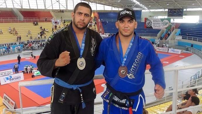 Romes Ramos prata faixa preta Jonathan Aquino ouro faixa azul seletiva abu dhabi 2015 (Foto: Romes Ramos/ Arquivo Pessoal)