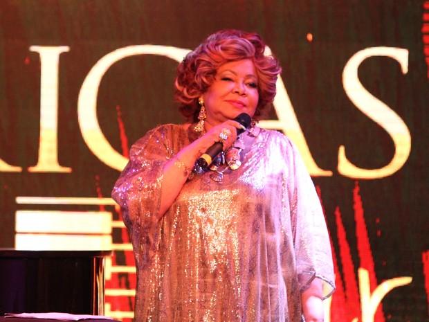 Alcione canta em evento no Rio (Foto: Anderson Borde/ Ag. News)