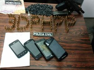 Suspeito de ser gerente de ponto de tráfico em Porto Alegre é preso em flagrante (Foto: Polícia Civil/Divulgação)