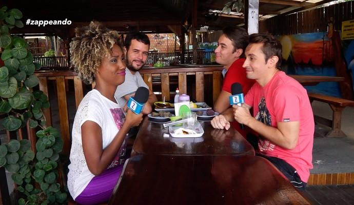 Equipe do 'Zapp' toma café regional com a Titia Tal Qual (Foto: Rede Amazônica)