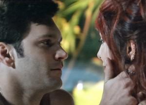 O casal é pura paixão (Foto: Sangue Bom / TV Globo)