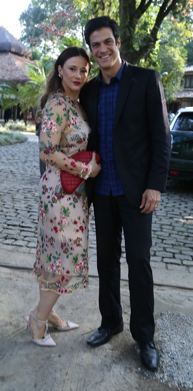 Mateus Solano e Paula Braun (Foto: Anderson Borde / AgNews)